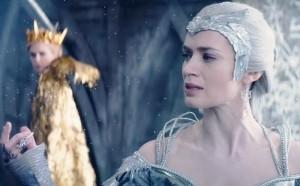 """Кадр из фильма """"Белоснежка и Охотник 2"""""""