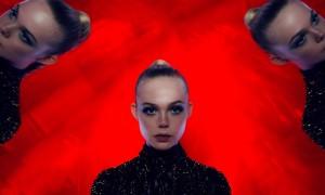 """Кадр из фильма """"Неоновый демон"""" cultofcinema.com КультКино"""