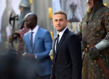 Чарли Ханнем на премьере фильма Меч короля Артура в Голливуде КультКино cultofcinema.com