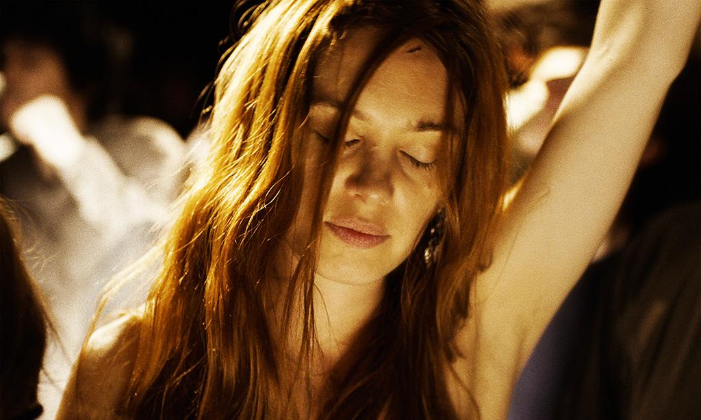 Молодая женщина КультКино cultofcinema.com